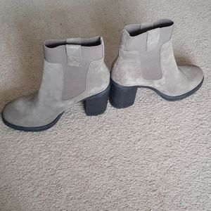 Design Lab Lord and Taylor Suede Booties Size 6